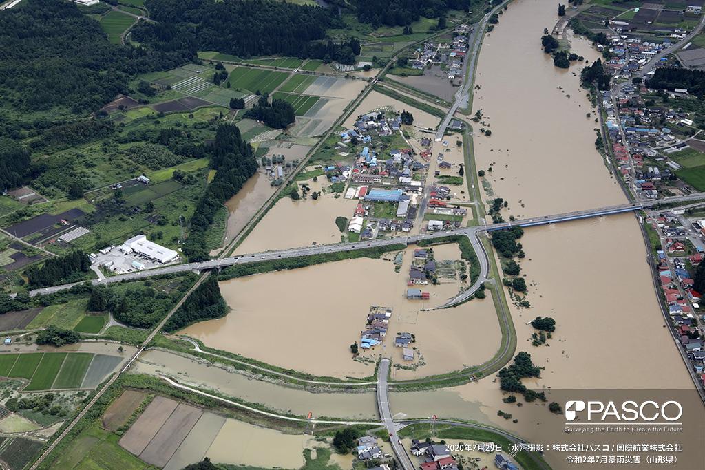 山形県大石田町大字今宿付近 最上川右岸国道347号「虹の大橋」付近の氾濫