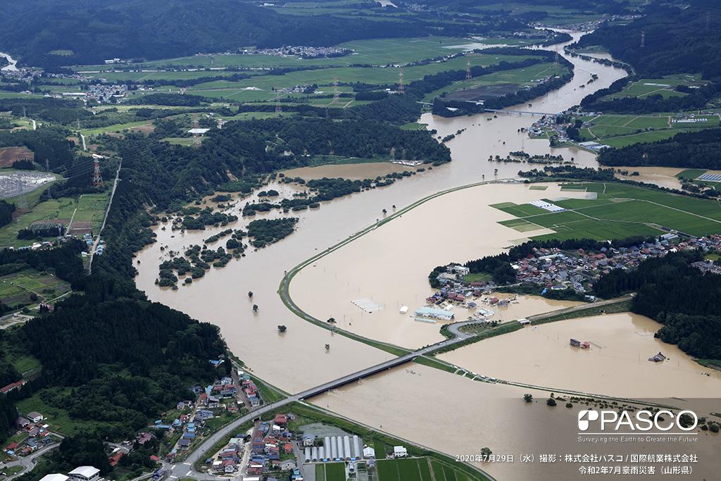 山形県大蔵村大字白須賀付近 最上川左岸 大蔵橋付近の氾濫