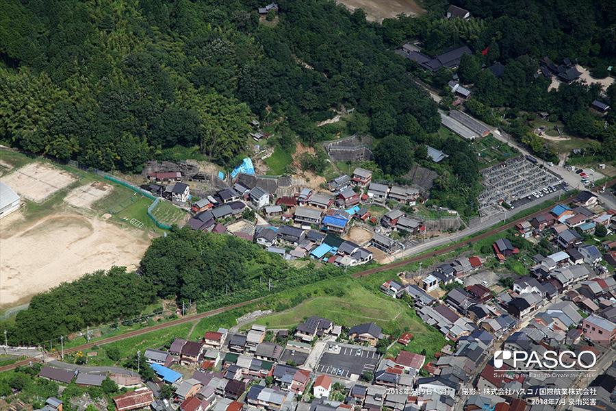 京都府宮津市字万町 住宅の背後で崩壊が発生して土砂が流入