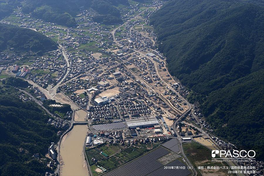 広島県呉市安浦町中央 野呂川の氾濫により広範囲で浸水による泥が被覆