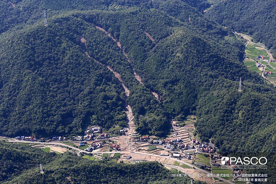 広島県東広島市安芸津町三津 複数箇所で斜面崩壊により発生した土砂で覆われた耕作地