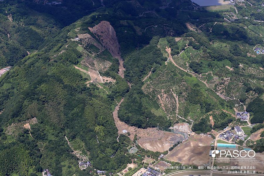 宇和島市吉田町鶴間新 斜面崩壊による土砂が流入した吉田球場