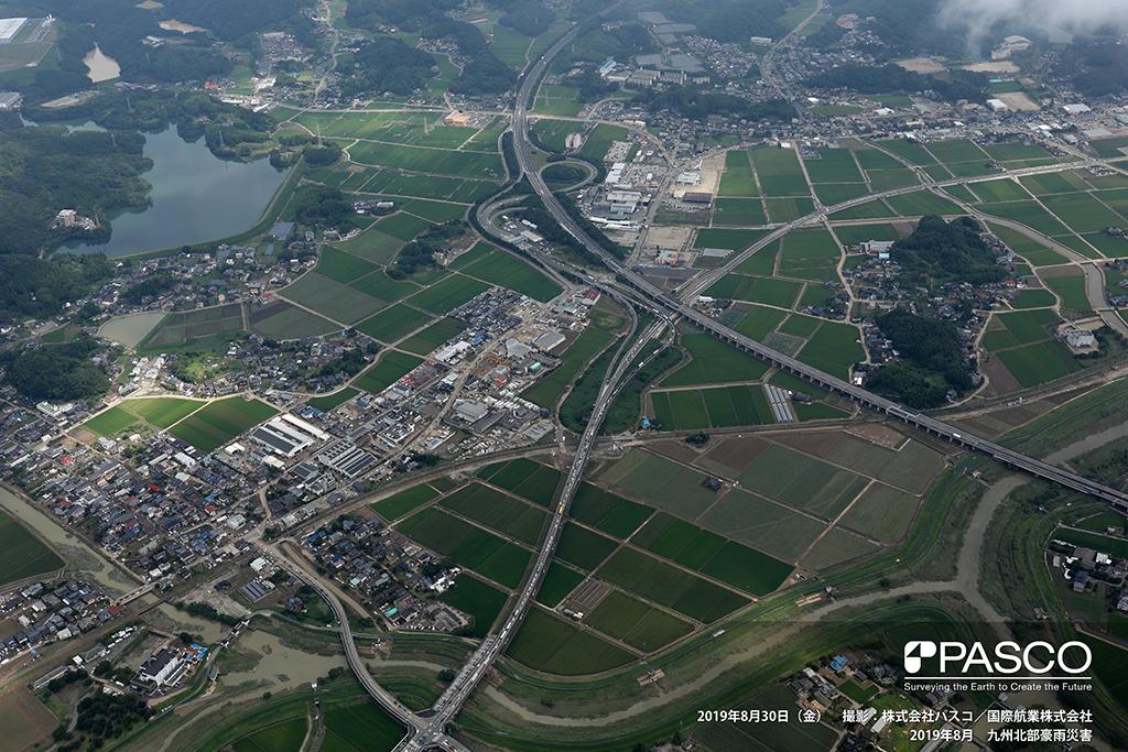 佐賀県武雄市高橋: 武雄・北方IC付近 国、県道沿いの市街地に浸水跡が確認できる